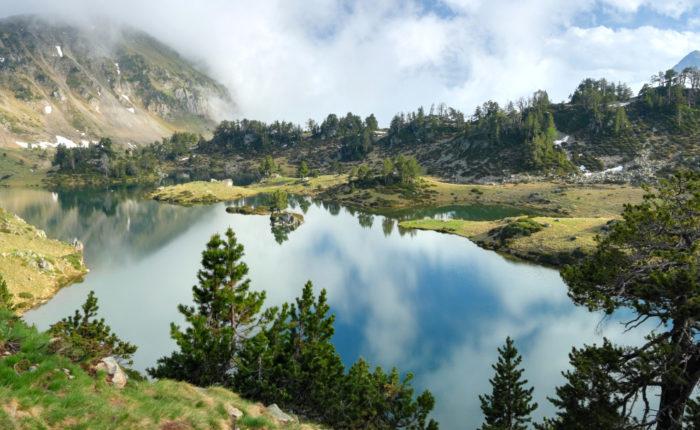 Sur les Traces du Grand Raid des Pyrénées GRP Lac inférieur de Bastan
